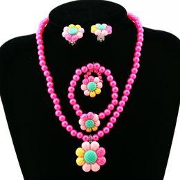 Deutschland Blumen-künstliche Perlen-Kind-Mädchen-Ohrring-Armband-Halsketten-Ring-Schmucksachen gesetzte neue heißen Versorgung
