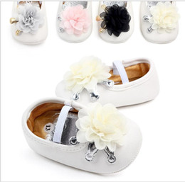 Marca del bambino scarpe con suole morbide online-New Girls Princess Floral Primi camminatori Presepe Brand baby Toddler Baby Mocassini fondo morbido Pu leather Baby Shoes 0-18 mesi