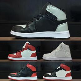2019 barato, marcado, basquetebol, sapatos Nike Air Jordan 1 crianças marca Original sapatos de designer de moda sneakers j1 sapatos de basquete cinza azul vermelho preto branco venda barata barato, marcado, basquetebol, sapatos barato