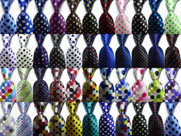 2019 großhandel gestreifte krawatten für männer Neue Art und Weise Punkt-Krawatte der Männer 9cm Seide Krawatte Set Gold-Weiß Rot Weiß Blau jacquardgewebten 100% Seide Die Bindung der Männer Krawatte