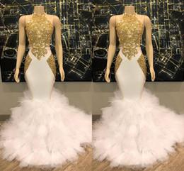 vestidos de festa de tulle inferior Desconto Lindo Halter Neck Ouro e Branco Prom Dress 2019 Sereia Longos Vestidos de Noite Inferior com Tulle Ruffles Vestidos de Festa