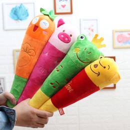 bambole di massaggio Sconti Bambini farciti peluche pp cotone riempito fumetto indietro bastone di massaggio bambino bella peluche martello animale del fumetto bambola giocattolo morbido