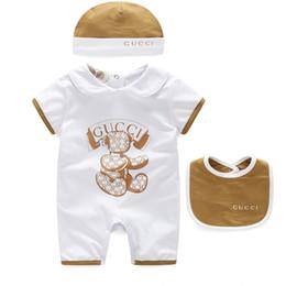 niños pequeños vestidos Rebajas 3 Unids / set Bebé Niños Niñas Ropa de marca Mamelucos para niños + Sombrero + Babero Algodón Infantil Conjuntos de ropa para bebés Trajes de verano para recién nacidos Trajes