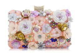 Bolsos de mano europeos nupciales online-Bolso de noche con cuentas de nueva flor europea y americana bolso nupcial de gama alta para mujer bolso de cadena de embrague
