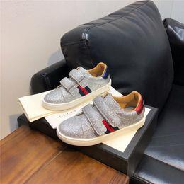 2019 bequeme glitzerschuhe Glitter Sneakers für Mädchen Designer Schuhe für Kleinkinder Mädchen aus echtem Leder Slip on Sneakers Komfortable Qualitätsschuhe für Kleinkinder rabatt bequeme glitzerschuhe