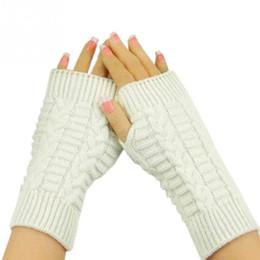 2019 luvas sem dedos crochet livre Atacado- tamanho livre moda inverno à mão braço de crochê tricô de lã mitenes luvas sem dedos 8 cores luvas sem dedos crochet livre barato