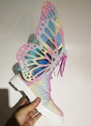 Маска для обуви онлайн-Горячие продажи-Magic Короткие Цвет Женщина 3D бабочки крылья боковой молнии Кружева Мода Повседневная обувь Женщины красочные Bling Ботильоны 35-41