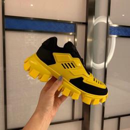 2019 robes de demoiselles d'honneur robes fleur Men Designer Shoes Cloudbust de Thunder Knit Sneaker Chaussures Femmes Casual Blanc Noir Cuir Mesh Sneaker à lacets plat Triple Vintage Luxe Chaussures