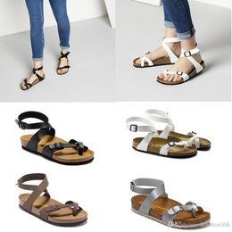 fac1ac090 ... Yara Athen 2019 Venda Quente de Verão Mulheres Flats Sandálias de  Cortiça Chinelos Unisex Sapatos Casuais de Impressão Cores Misturadas  Tamanho 34-43