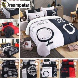 Ropa de cama de impresión activa online-Dreampatar Modern Active Printing Couple Suministros de cama doble Edredón personalizado Funda de almohada Juego de cama cómodo BY180A