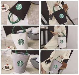 2019 tasche di immagazzinaggio in plastica Starbucks stampa Lady Canvas Tote Bag Borsa a forma di barile Spalla Shopping Lunch Bag Shopping Bag LJJK958