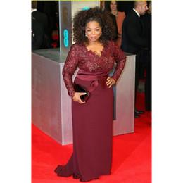 preço do tapete Desconto Oprah winfreys Plus Size Celebridade Vestidos de Noite V neck Com Mangas Compridas Chiffon Borgonha Red Carpet Prom Dress preço de Atacado