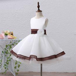 Robe tulle fille fleur brune en Ligne-Pageant robes blanches / brunes de bijou de genou / fille de genou robes de fille de fleur robes de princesse enfant jupe sur mesure 2-14 H310140