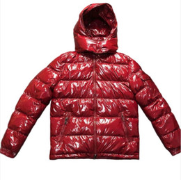 abrigos para hombre asiático Rebajas Abrigo de diseñador para hombre con capucha otoño invierno rompevientos abrigo grueso grueso de lujo con capucha outwear chaquetas luminosas tamaño asiático ropa para hombres