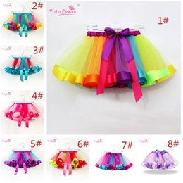 2020 gonna di ballo di arcobaleno Ragazze Arcobaleno Tutu gonna in tulle balletto di ballo del vestito del bambino Arcobaleno Bow Mini Pettiskirt Dance Party Tulle Gonne Vestiti INS gonna di ballo di arcobaleno economici
