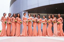 Laranja casamento dama de honra vestidos baratos on-line-Sexy orange sereia vestidos de dama de honra africano barato conversível vestido de baile de finalistas longo fora do ombro do casamento vestido de hóspedes além de szie