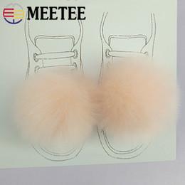 artesanía de piel Rebajas Meetee 2 Pares 7 CM Conejo Faux Fur Ball Clip Hebilla Pompom Ropa Zapatos Accesorios de BRICOLAJE Decoración Craft Supplies AP2402