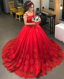 Vestidos de noiva de renda elegante vermelho on-line-2019 Vintage vestido de baile vermelho vestidos de casamento lace cap mangas off ombro trem de varredura tule vestidos de noiva de casamento elegante vestido de novia