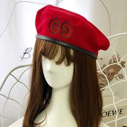 2019 boina roja militar Mujeres Invierno Cálido Pintor Sombrero Vintage Carta Casual Chica Boinas Fiesta de Halloween de alta calidad Gorras femeninas