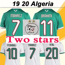 Estrela de casa on-line-Duas estrelas 2019 Argélia MAHREZ Camisola de Futebol Copa Africana FEGHOULI SLIMANI BRAHIMI Casa Fora Camisas de Futebol Maillot de Pé Uniformes Curtos