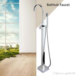 Faucet design quadrado on-line-Novo Piso Montado Tub Filler Faucet com Chuveiro de Mão Cromada Design Quadrado Conjuntos de Banho de Chuveiro