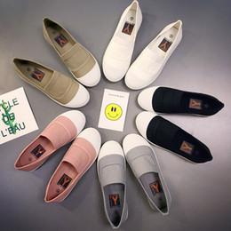 White women s canvas shoes slip on-line-Moda Casual das Mulheres New Soft Bottom Sapatos Brancos Cor Sólida Sapatos de Lona Sapatos Gilrs Sneakers Geração