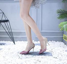 2019 sapatos de poços 2019 stilettos de cristal apontados, lantejoulas, de nova senhora vão bem com estiletes de lantejoulas para festas e sapatos de noiva desconto sapatos de poços