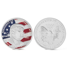 cavallo intagliato in legno Sconti 2020 Trump Commemorative Coin Collezione avatar del Presidente degli Stati Uniti moneta d'oro moneta d'argento Trump avatar Non sbiadita Confezione acrilica.