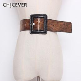 2019 cinturão de batida Chicever outono inverno impressão hit cores cintos para as mulheres de cintura alta praça fivela feminina belt para casaco acessórios moda maré cinturão de batida barato