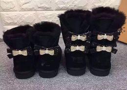 Botas de nieve mujer diamante online-Botas de nieve clásicas nuevas o clásicas de alta calidad para mujer Nuevas botas de nieve con nudo de arco Diamantes de agua Corona Zapatos de algodón de piel de vaca cálidos y gruesos
