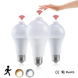 Night Light LED светодиодные лампы PIR датчик движения AC 85-265 B22 E27 Лампа Лампа 12W 15W 18W 20W зари до зари Свет для дома от Поставщики cul led led bulbs