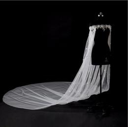 scialle di spalla di cristallo Sconti 2019 New Off Spalla Wedding Wraps 3 M Cattedrale treno scialle nuziale Applique pizzo perle di cristallo con fiori 3d Matrimonio Bridal Capes