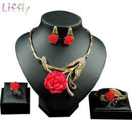 Gelbe rose schmucksets online-Heiße Art und Weise Italien Dubai, Rot, Gelb Rose hängende Halskette Ohrringe Ring Weiseluxuxfrauen Kristall Schmuck Sets Charme Brautzusatz
