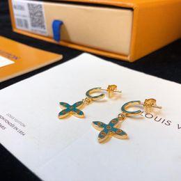 серьги с голубым крестом Скидка Дизайнерские серьги Классические серьги с персиковым гвоздиком Уши Цветы в форме креста 2019 Роскошные модные аксессуары Синий Розовый