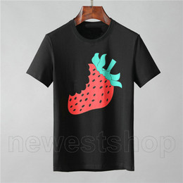camisas do morango Desconto Designer luxury clothing for mens europe italy T-shirt strawberry fruit letter print tshirt color Casual women tshirts t shirt Tee Top