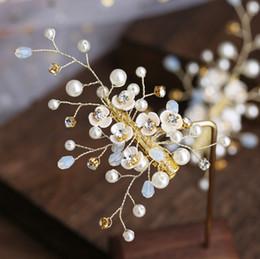 bolos de casamento de ouro branco preto Desconto flor cabeça grampo de cabelo da noiva hairgrip jóias de noiva bela fio contas hairpin cabelo mostram casamento Woemen meninas jóias
