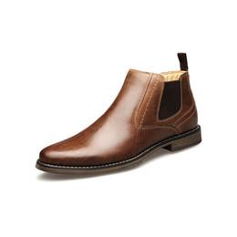 2019 zapatos de noche para hombre Los nuevos hombres botas de diseñador de zapatillas zapatos de vestir de cuero genuino de los hombres zapatos de boda de zapatos de noche del partido para hombre Formadores exterior zapatos de noche para hombre baratos