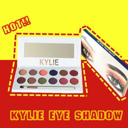 Kylie sombra de ojos online-kylie Eye Shadow 12 Colors Shimmer Stage Maquillaje Maquillaje de otoño e invierno de larga duración con un pincel de sombra de ojos