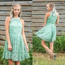 Платье для подружек невесты с зеленым воротничком онлайн-Mint Green Short полного шнурок платья невесты Холтер Pearls рукава Дешевой Страна Стиль Bridesmaids выпускной вечер платье партия платье для свадьбы