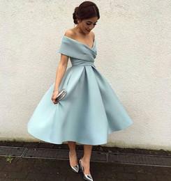 Robe de cocktail bleu en Ligne-2019 elegant lumière bleu ciel cocktail robes de l'épaule longueur du thé une ligne satin robes de venue à venir formelle robe de soirée personnalisé