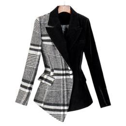 Chaqueta de terciopelo pequeña online-Moda traje de lana a cuadros primavera nuevo profesional retro terciopelo a cuadros de negocios traje pequeño chaqueta corta mujer mujer Blazers mujeres