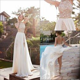 Vestido de fenda de contas brancas on-line-2019 New Arrival Sexy Branco Chiffon Frisada Apliques de Renda Vestidos de Baile Longo Halter Side Slit Primavera Da Dama De Honra Vestido de Festa