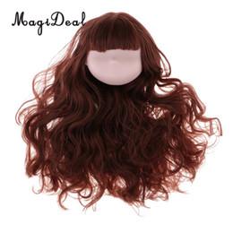 Cabeza de muñeca de 12 pulgadas con articulación de rótula y talla de  cabeza con peluca de cabello rizado marrón para muñeca BJD a35d775b8bf5