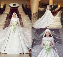 2019 robes de mariée musulmanes taille plus Robes de bal modestes robes de mariage col de bijou en dentelle Appliqued perles à manches longues tribunal train chapelle robe de mariée plus la taille robe de mariée musulmane robes de mariée musulmanes taille plus pas cher