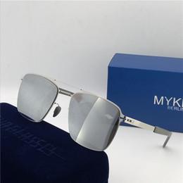 Vidalar olmadan yeni mykita güneş gözlüğü ultralight çerçeve MKT FLAX kare çerçeve üst erkekler marka tasarımcı güneş gözlüğü kaplama ayna mer ... nereden