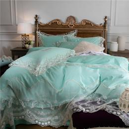 Conjunto de edredón blanco verde online-Encaje verde blanco juego de sábanas de satén de algodón egipcio suave ropa de cama de lujo funda nórdica juegos de sábanas para cama doble