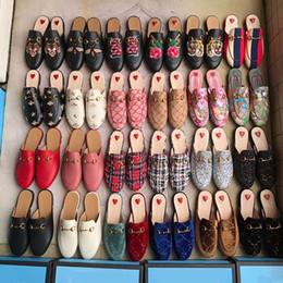 Mocasines planos online-Zapatillas de diseñador para mujer, cuero genuino, mulas, zapatos planos con cadena de metal, zapatos casuales, mocasines, zapatillas de moda para mujer, zapatos de verano
