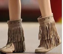 2019 appartements pour l'hiver 2 couches femmes glands frange bottes à talons plats zapatos décoration mi-mollet chaussures slouch hiver bottes chaudes de neige, plus la taille 34-43 botas zapatos appartements pour l'hiver pas cher