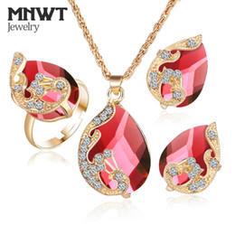 diseños de oro rubí Rebajas MNWT Conjuntos de joyas de pavo real de cristal 5 Collar de color Conjunto de anillo de aretes Rhinestone Gota de agua colgante Accesorios para mujeres parure bijoux