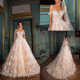 Grande taille robes de ville ivoire en Ligne-2019 magnifiques robes de mariée au champagne avec dentelle ivoire appliquée au large du tribunal de l'épaule train plus la taille formelle robes de mariée